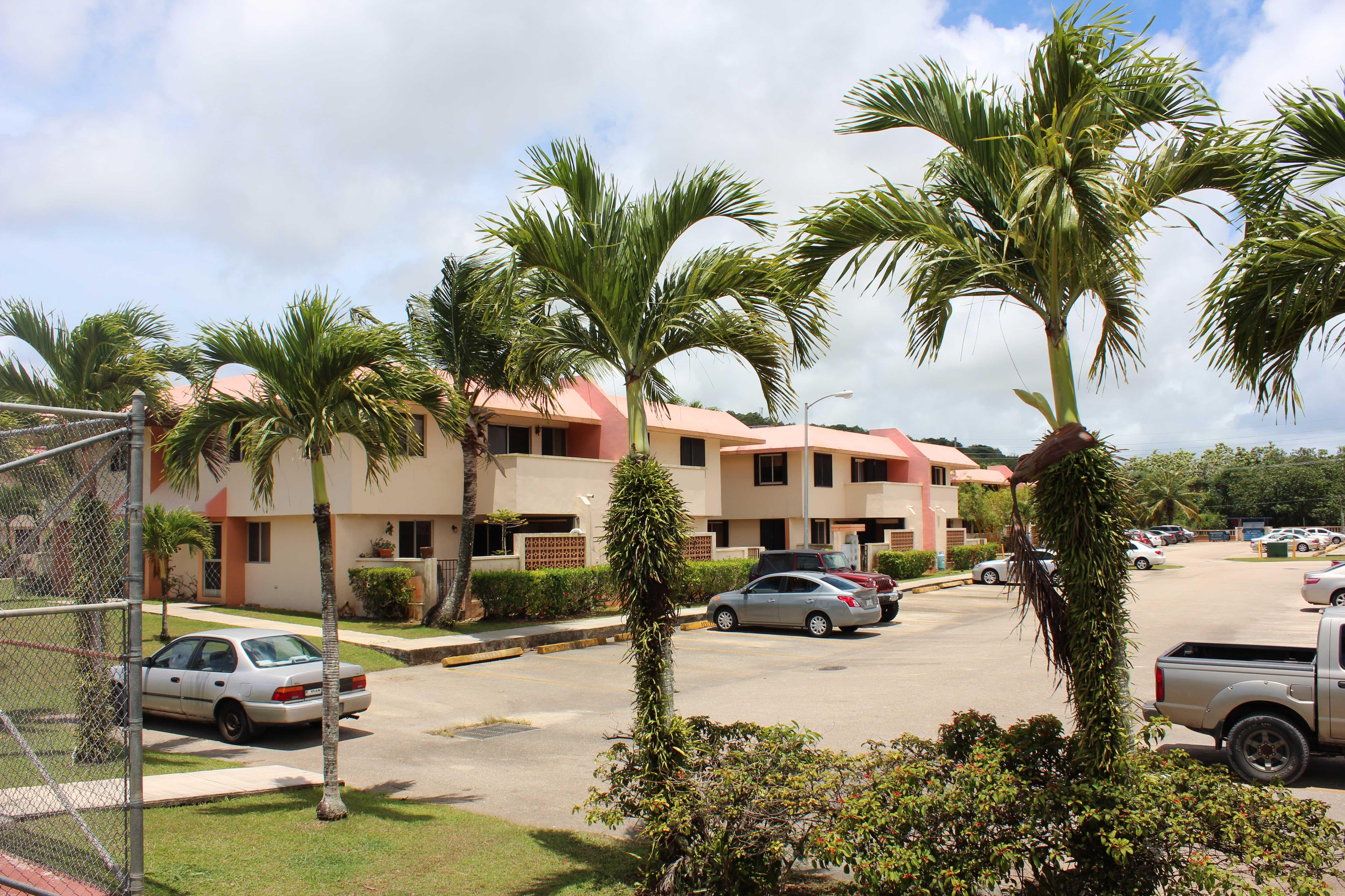 Las-Palmas-1-Guam---parking